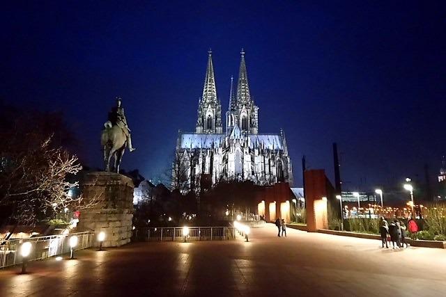 De Dom van Keulen 's nachts