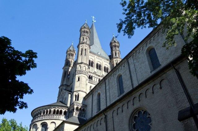 De kerk van dichtbij