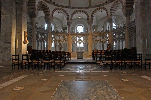 foto: interieur van de Heilige Maria