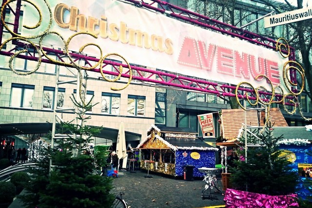 Christmas Avenue is overdag wat minder levendig