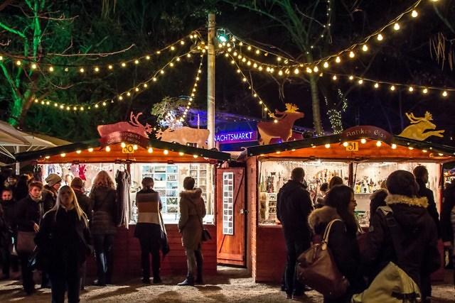 Kerstmarkt in het stadspark van Keulen