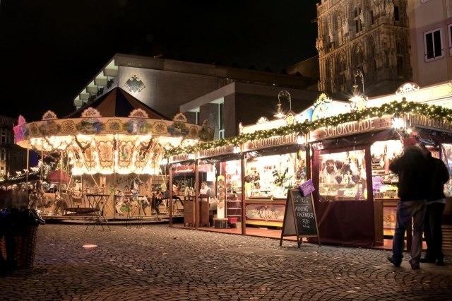 Kerstmarkt op de Alter Markt van Keulen