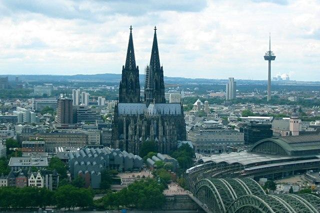 foto: uitzicht vanaf de KölnTriangle