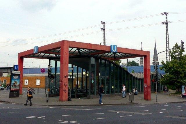 foto: station Stadtbahn van Keulen