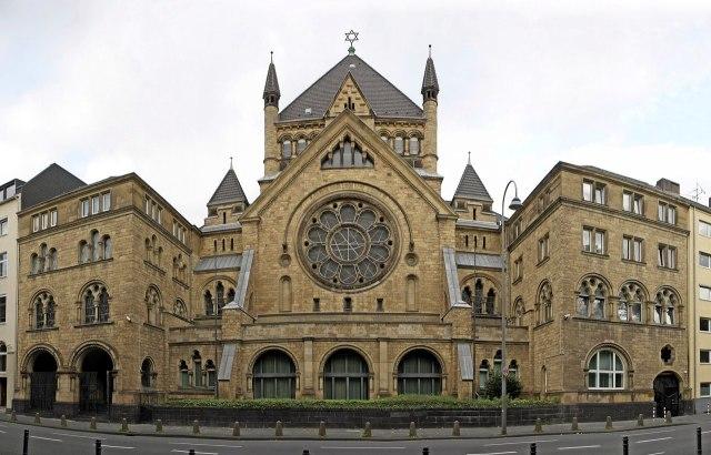 De synagoge aan de Roonstraße